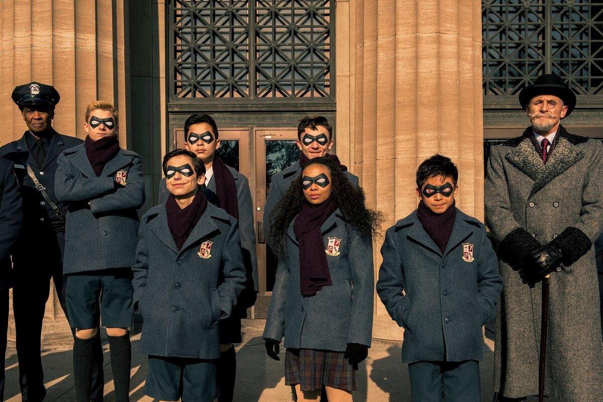 the umbrella academy trailer  gerard way covers hazy shade
