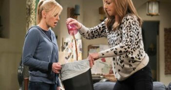 Mom stars Anna Faris and Allison Janney