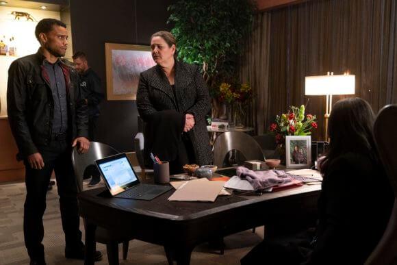 Stumptown Season 1 Episode 1